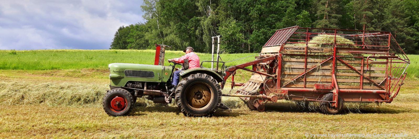 bayern-bauernhofurlaub-bayerischer-wald-traktor-fahren