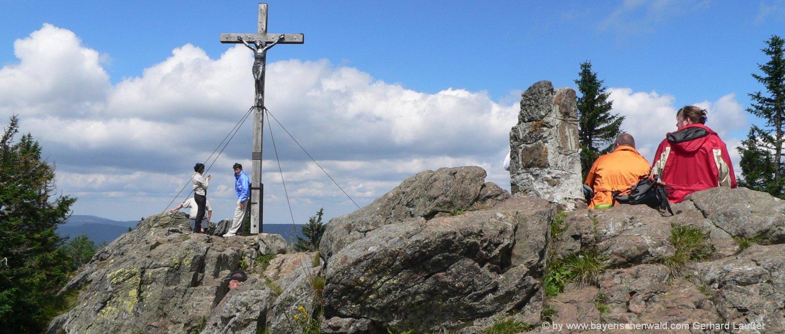 berg-bauernhof-bayern-bergwandern-rachel-nationalpark-bayerischer-wald